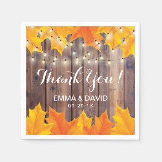 Herbst verlässt Schnur-Lichtern rustikale Hochzeit Papierserviette