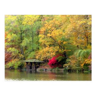 Herbstfarben durch den See Central Park Postkarte