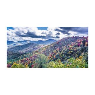 Herbstjahreszeit in den Bergen Leinwanddruck