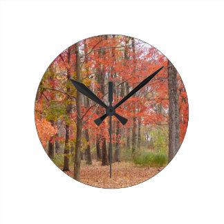 Herbstlaub Runde Wanduhr