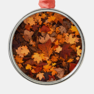 Herbstlaub Rundes Silberfarbenes Ornament
