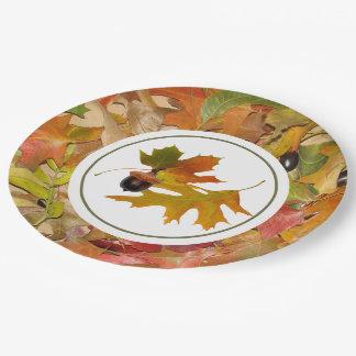 Herbstlaub und Eicheln Pappteller