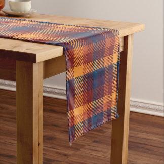 Herbstliche Fall-Erde tont Tweed-kariertes Muster Kurzer Tischläufer