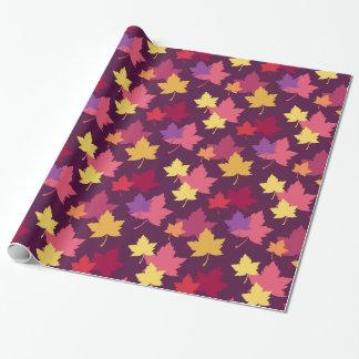 Herbstlicher Herbstlaub gemustert Geschenkpapier