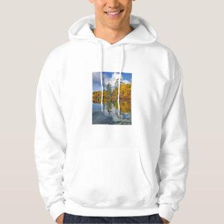 Herbstteichreflexionen, Maine Hoodie