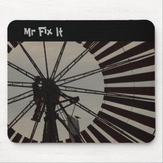Herr Fix It mousepad