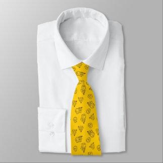Herr Happy u. kleines gelbes Muster Krawatte