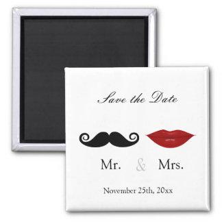 Herr u. Frau Mustache und Lippen - Save the Date Quadratischer Magnet