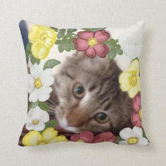 Herrliche Kätzchen-und Blumen-Girlande Kissen