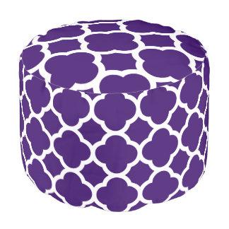 Herrliches lila und weißes Quatrefoil Muster Hocker