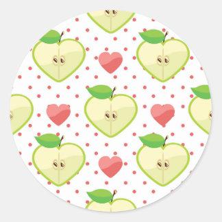 Herz-Äpfel mit rosa Tupfen und Herzen Runder Aufkleber