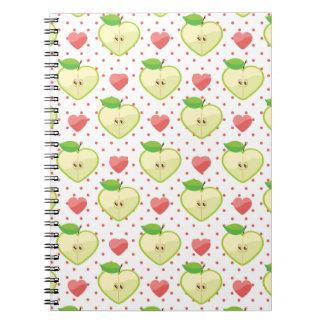 Herz-Äpfel mit rosa Tupfen und Herzen Notizbuch