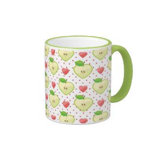 Herz-Äpfel mit rosa Tupfen und Herzen Teetasse