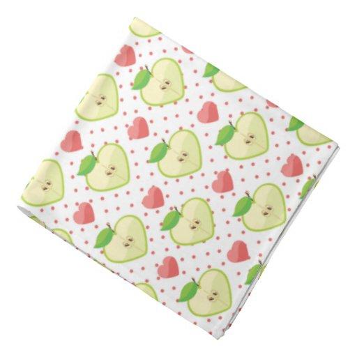 Herz-Äpfel mit rosa Tupfen und Herzen Kopftuch