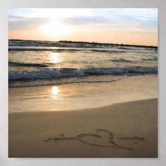 Herz auf Sand Plakatdrucke