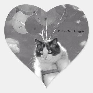 Herz-Aufkleber: Lustiges Katzenfliegen mit Herz-Aufkleber