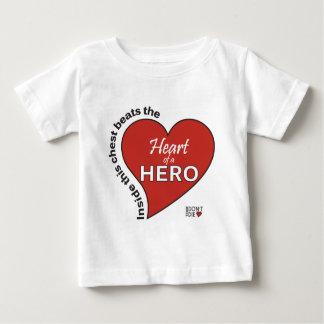 Herz eines Heldes Baby T-shirt