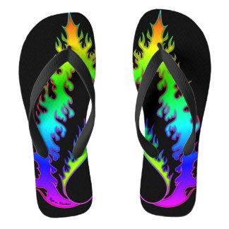 Herz-Feuer: Erwachsener dreht um: Regenbogen Flip Flops