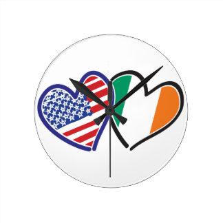 Herz-Flaggen USA Irland Runde Wanduhr