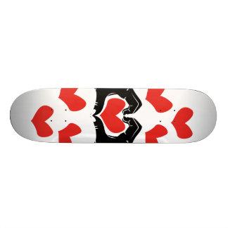 Herz-Form übergibt Illustration mit roten Herzen Skateboardbrett