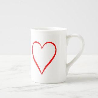 Herz gemalt auf weißem Hintergrund Porzellantasse