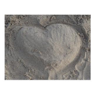 Herz im Sand Postkarte