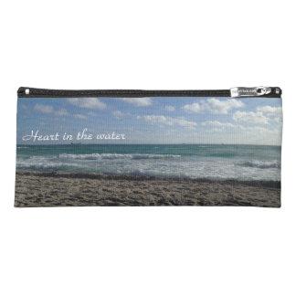 Herz im Wasser, Zehen im Sandbleistiftkasten Stiftetasche