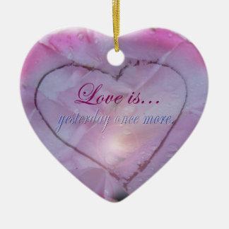 Herz in der Schnee-und Keramik Ornament
