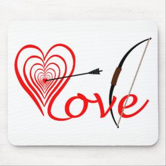 Herz Liebe Dartscheibe mit Pfeil und Bogen Mousepad