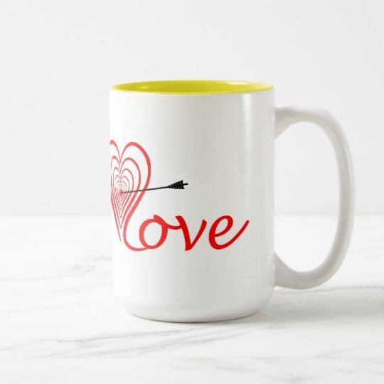 Herz Liebe Dartscheibe mit Pfeil Zweifarbige Tasse