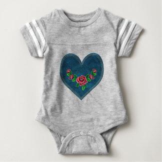 Herz mit Roten Rosen Baby Strampler