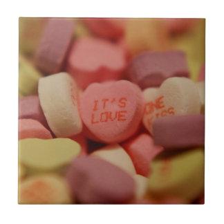 Herz-Süßigkeit - seine Liebe Kleine Quadratische Fliese