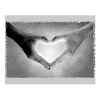 Herz übergibt B&W Foto Postkarte