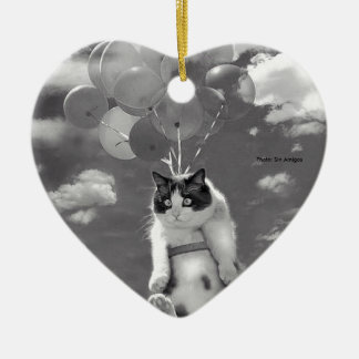 Herz-Verzierung: Lustiges Katzenfliegen mit Keramik Ornament