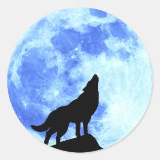Heulenwolf am vollen runden Aufkleber MOO, glatt