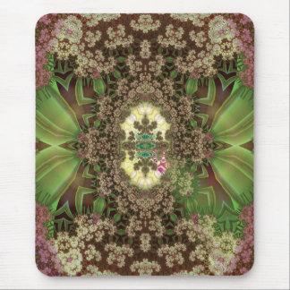 Heuschrecken unter trocknenden Blumen Mousepad