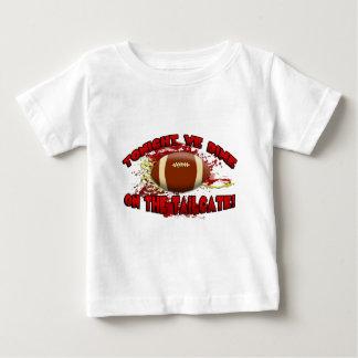 Heute Abend speisen wir auf der Heckklappe! Baby T-shirt