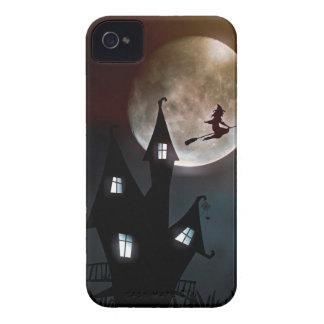 Hexe auf dem Besen, der über Ihr Haus fliegt Case-Mate iPhone 4 Hülle