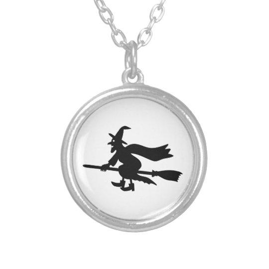 Hexe die mit dem Besen fliegt Versilberte Kette