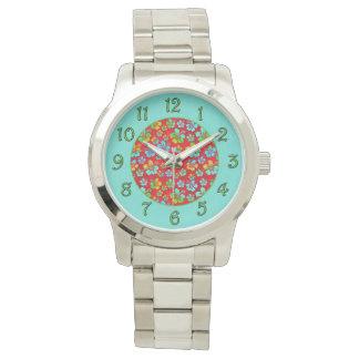 Hibiskus-MehrfarbenBlumen auf Rot Armbanduhr