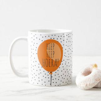 Hiep Hiep Hoera orange Ballon-niederländisches Kaffeetasse