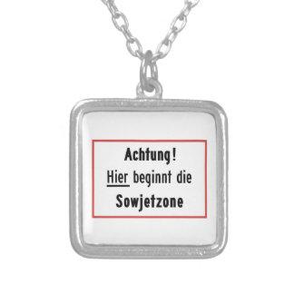 Hier beginnt die Sowjetzone, Deutschland-Zeichen Halskette Mit Quadratischem Anhänger