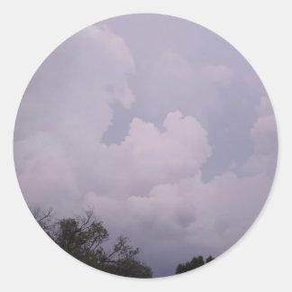 Himmel sind bewölkt runder aufkleber