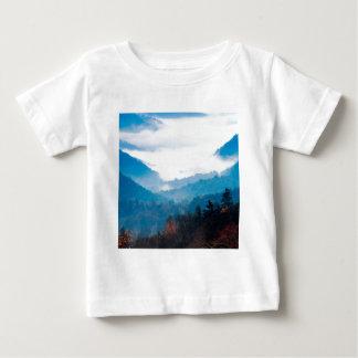 Himmel-Tal der Wolken Baby T-shirt