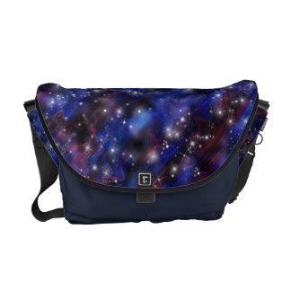 Himmelbild der Galaxie starry lila schöne Nacht Kuriertasche