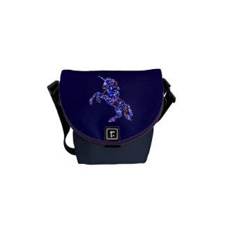 Himmelbild des blauen schönen Einhorns der Galaxie Kurier Tasche