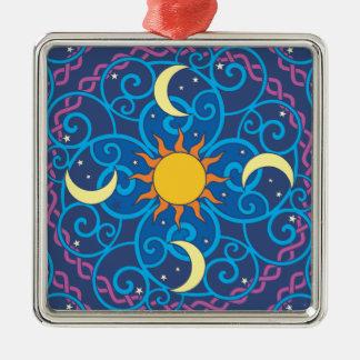 Himmlische Mandala-Verzierung Quadratisches Silberfarbenes Ornament