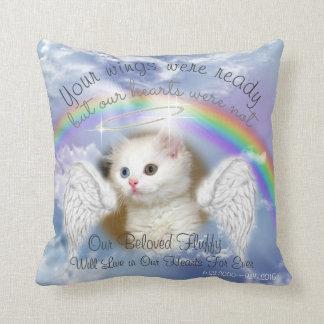 Himmlischer Himmel mit Regenbogen-Haustier-Denkmal Kissen