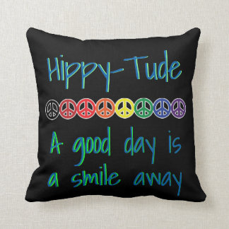 HippyTude Lächeln-guter Tag Kissen