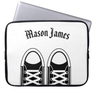 Hipster-schwarze Turnschuhe Laptopschutzhülle